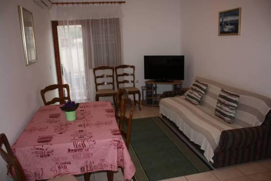IMG 9386 1 555x370 - Apartman Biograd